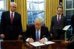 Ông Trump ký sắc lệnh chính thức rút khỏi TPP