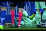 Bị truy cản thô bạo, sao Barca dính chấn thương khủng khiếp