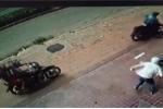 Truy tìm nhóm người lạ khủng bố 3 cửa hàng xe máy bằng 'bom bẩn'