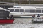 Khủng bố ở Anh: Người phụ nữ nhảy sông tránh xe điên