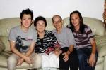 'Lộ' ảnh cực hiếm của gia đình Hoài Linh thời khó khăn