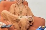 Hinh anh Hoai Linh va nhung dang ngoi khong the 'lay' hon 7