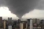 Lốc xoáy khổng lồ càn quét Philippines như 'ngày tận thế'