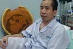 Người em trong cặp sinh đôi dính liền Việt - Đức phải phẫu thuật tạo hình niệu quản
