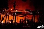 Chùa cổ ở Hà Nội cháy ngùn ngụt giữa đêm