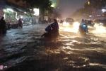 Mưa to giờ cao điểm, Sài Gòn ngập nặng, giao thông rối loạn