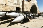 Video, ảnh: Hiện trường căn cứ không quân Syria bị Mỹ trút 'mưa' tên lửa