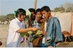 Người Myanmar đứng đầu thế giới về làm từ thiện