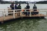 Video: Thi thể nam thanh niên phân hủy trên hồ Xuân Hương