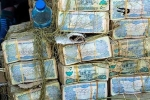 Cận cảnh khu chợ đổi tiền như mua rau