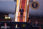 Hình ảnh đầu tiên của Tổng thống Mỹ Obama khi đến Hà Nội