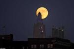 Ảnh: Ngắm Siêu trăng đẹp lung linh trên đất Mỹ