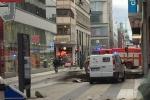 Xe tải lao vào đám đôngở Thụy Điển, ít nhất 3 người chết