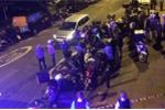 Kẻ đi xe máy tạt axit vào 5 người ở London