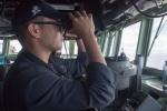 Thủy thủ Mỹ rơi xuống Biển Đông mất tích