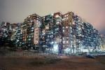 Ảnh hiếm về 'Mê cung bóng tối' đông đúc nhất thế giới ở Hong Kong