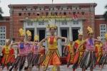 Hoa khôi Học viện An ninh xinh đẹp diễn kịch, nhảy dân vũ sôi động