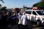 Video: Nhân chứng bàng hoàng kể lại vụ xe tải tông xe khách khiến 11 người chết