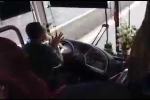 Clip sốc: Tài xế xe Phương Trang vừa lái xe vừa cuốn bánh tráng ăn