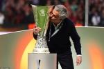 Mourinho muốn đổi chức vô địch Europa League cho mạng sống những nạn nhân vụ khủng bố Manchester