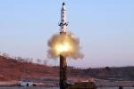 Triều Tiên bắn tên lửa tầm trung