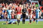 Man Utd liên tiếp thất bại: Mourinho vô trách nhiệm, nghèo ý tưởng