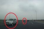 Truy tìm 5 ô tô ngang nhiên chạy ngược chiều trên cầu Nhật Tân
