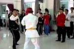 Võ sĩ Vịnh Xuân Trung Quốc bị võ sĩ Karate đánh tóe máu