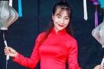 Nữ sinh Sư phạm rạng rỡ trong tà áo dài đỏ đón Trung thu
