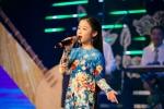 Hinh anh Hoa hau Do My Linh dien ao ba ba trai nghiem am thuc Nam bo 9