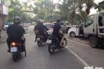 Theo chân cảnh sát cơ động truy quét 'quái xế' đầu trần trên phố Hà Nội