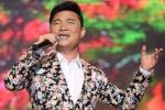 Quang Linh mặc vest hoa điệu đà hát nhạc trữ tình