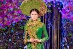 Quán quân Hương Ly diện áo dài kết hoa tươi độc đáo