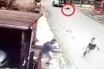 Cướp nhầm xe của cảnh sát, côn đồ bị bắn gục trong vũng máu