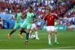 Ronaldo đánh gót ghi bàn thắng lịch sử