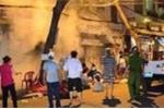Gia đình đi du lịch, ngôi nhà 3 tầng bốc cháy ngùn ngụt trong đêm