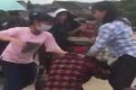 Hai nữ sinh giật tóc đánh túi bụi nữ sinh khác ở Nghệ An gây phẫn nộ