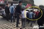 Video: Bảo vệ danh thắng Tràng An dùng dùi cui đánh du khách ngất xỉu
