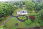 Biệt thự gần 400m2, giá chưa đến 300.000 đồng mà không ai thèm mua