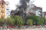 Quán karaoke bốc cháy dữ dội, hàng chục người hoảng loạn tháo chạy