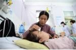 Cô gái bị kẻ nghi nhiễm HIV đâm kim vào ngực qua đời