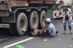 Va chạm với xe đầu kéo ở Hải Phòng, một thai phụ chết thảm