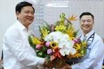 Bí thư Thăng thăm bác sĩ Việt kiều 'bỏ giàu sang' về khám bệnh ở quê nhà
