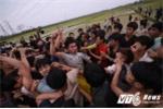 Áo thấm máu trai làng trong lễ hội cướp phết ở Phú Thọ