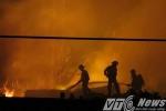 Video: Lửa cháy rực trời thiêu rụi Công ty nông sản ở Hải Dương