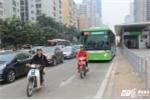 Video: Ôtô, xe máy nghênh ngang lấn làn chặn đầu buýt nhanh