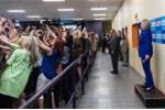 Bức ảnh lạ lùng về bà Hillary cho thấy 'thảm họa của nhân loại'