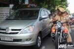 Nhiều tài xế ô tô ngẩn ngơ khi bị CSGT ghi hình, xử phạt nguội