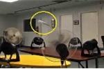 Clip: Cách làm máy bay giấy bay lượn cực 'ngầu', không bao giờ rớt
