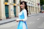 Hot girl Đại học Phòng cháy tung hình ảnh khác lạ, rạng ngời trên phố đi bộ